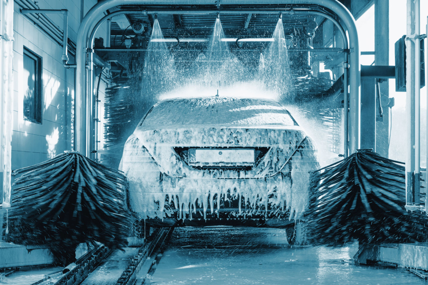 Managing a Vehicle Wash Maintenance Service Business